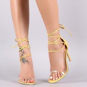 Mackin J Shoes - Yellow Tie Up Studded Stillettos 🆕